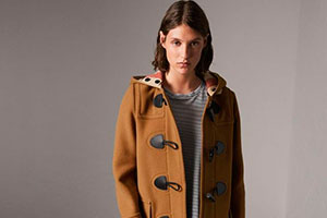 Women's duffle coat — a top must-have element for the autumn season